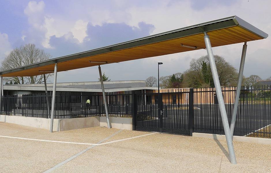 Ecole primaire et restauration scolaire à Etrelles